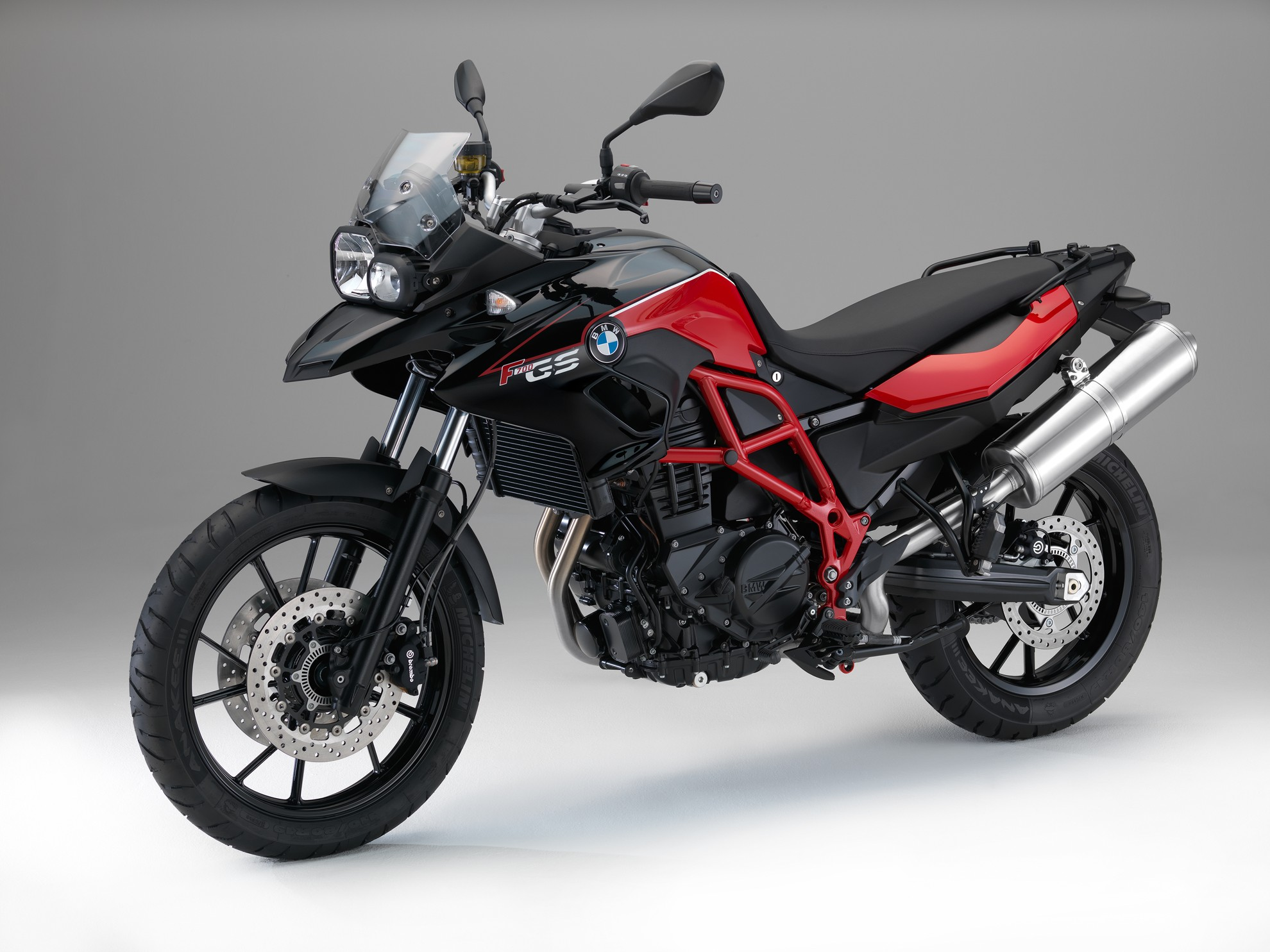 2015-BMW-F800GS-Adventure-Pictures