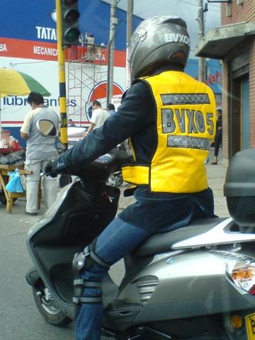 Resultado de imagen para moto placas casco chaleco