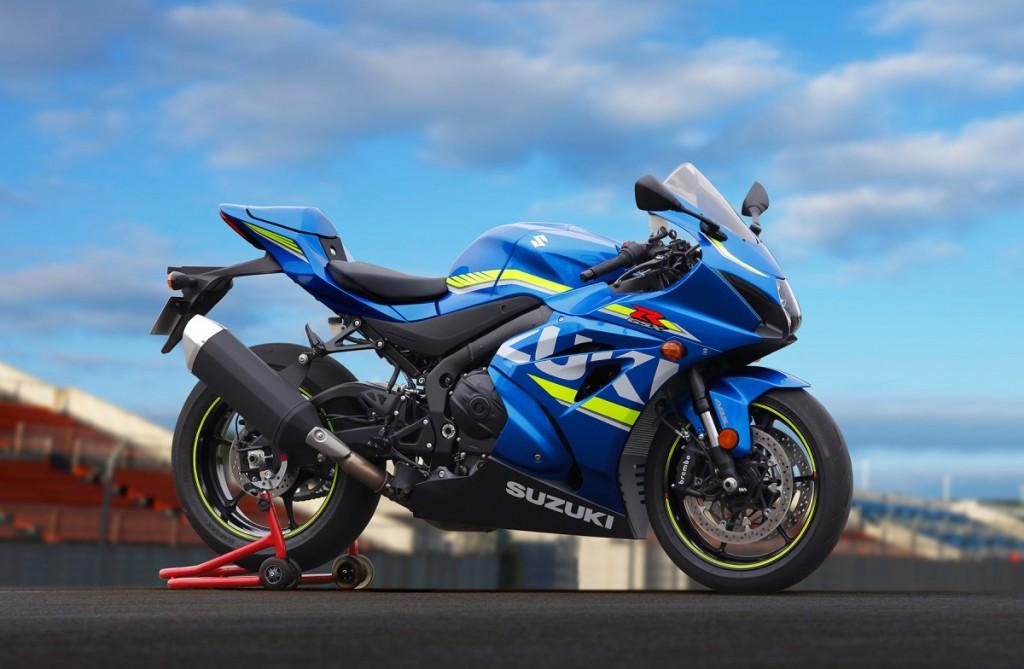 Suzuki-2016_GSX-R1000_2-1200x784