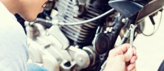 Tips de cómo cambiar las bujías de tu moto
