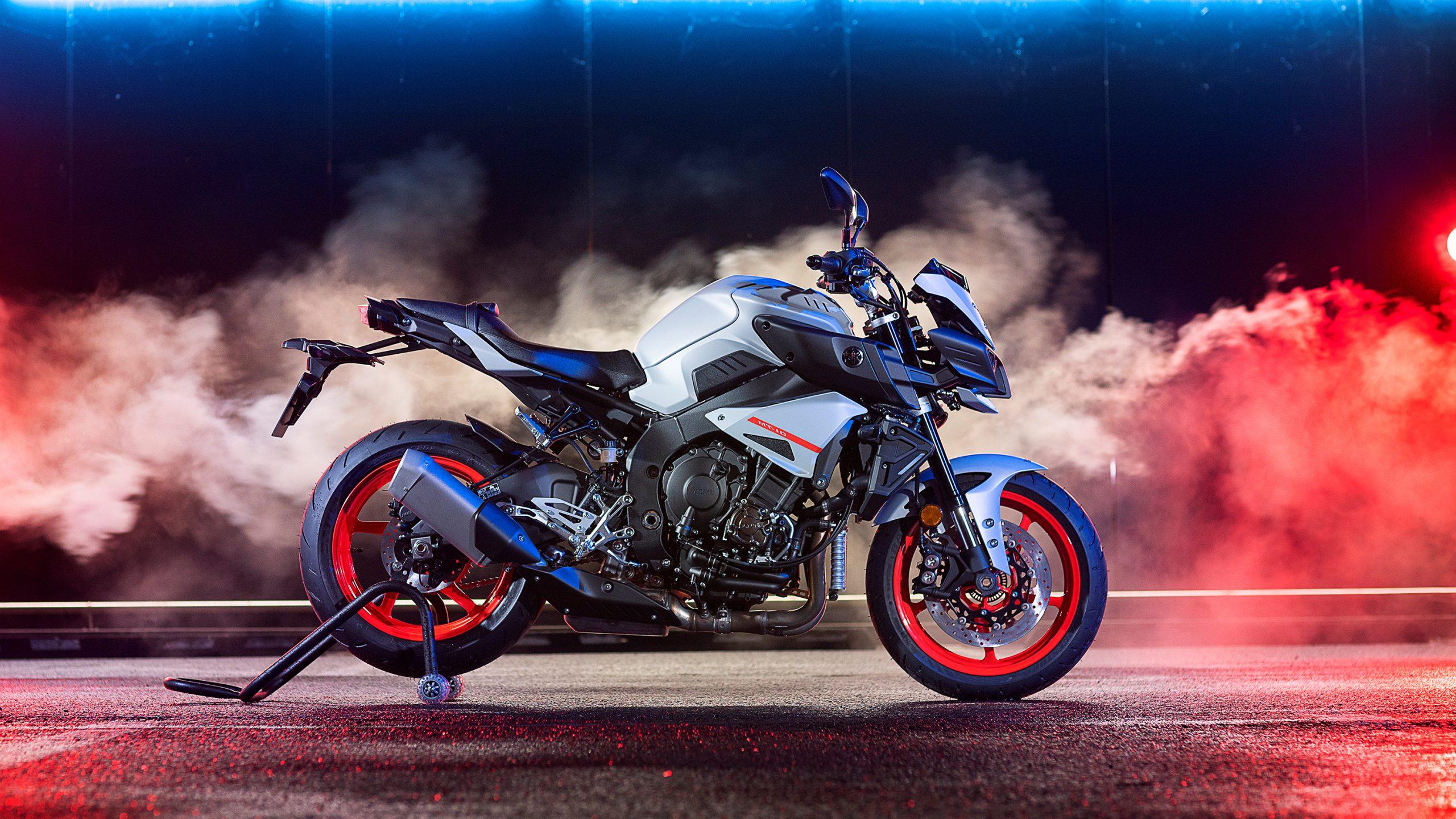 Yamaha MT-10, la naked más deportiva de la marca de los diapasones | Pruebas | Motociclismo.es