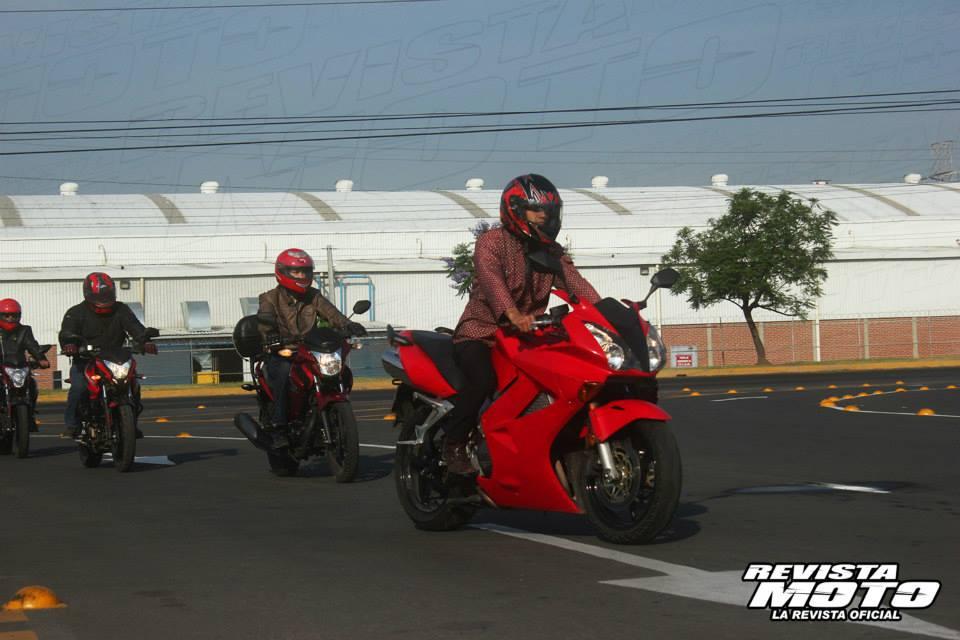 Curso de manejo seguro Honda México